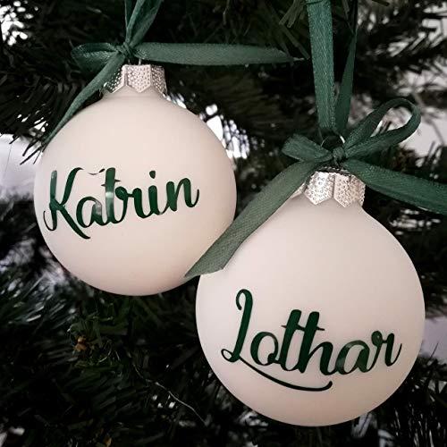 Set mit 2 weißen Weihnachtskugeln mit Namen in Forest Green