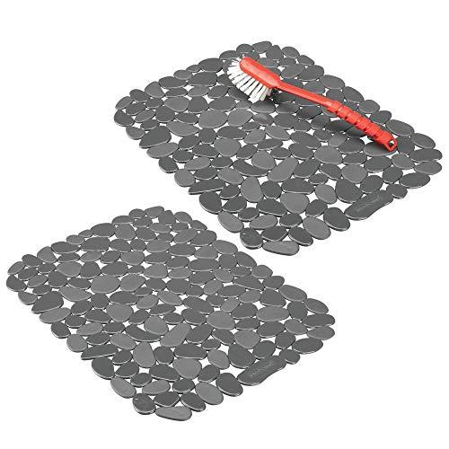 mDesign 2er-Set Spülbeckeneinlage zum Zuschneiden – praktische Spülbeckenmatte aus PVC für die Küche – Spülbecken Schutzmatte für Geschirr und Becken – Kieselsteinmuster in dunkelgrau