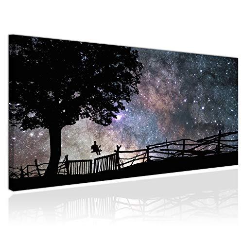 Topquadro XXL Wandbild, Leinwandbild 100x50cm, Junge und Schaukel, Glück, Nacht und Sterne, Sternenhimmel, Baum - Panoramabild Keilrahmenbild, Bild auf Leinwand - Einteilig