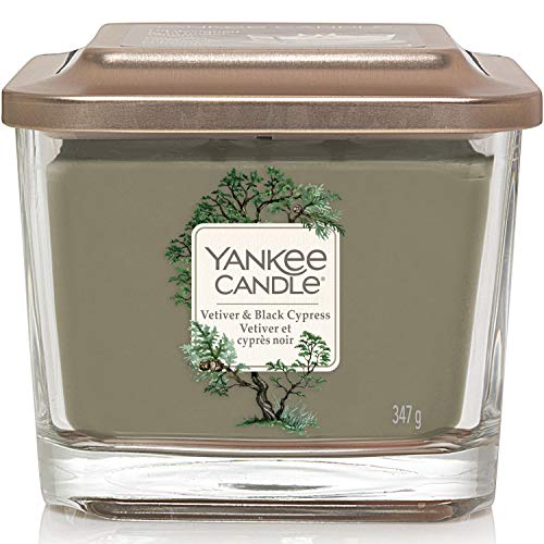 Yankee Candle candela profumata quadrata media a 3 stoppini | Vetiver e cipresso nero | Durata della fragranza: fino a 38 ore | Elevation Collection con coperchio utilizzabile come base