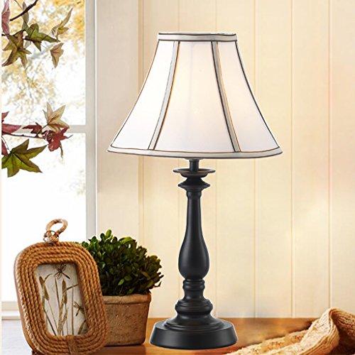 Bonne chose lampe de table Lampe de nuit à la chambre à coucher Salon Salle de séjour simple moderne créative Jane Europe rétro étude de fer lampe de table de jardin