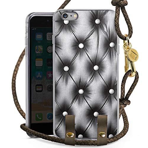DeinDesign Carry Case kompatibel mit Apple iPhone 6 Plus Hülle mit Kordel aus Leder Handykette zum Umhängen Taupe Gold Polster Leder Couch
