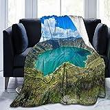 "USOPHIA Manta de Microfibra Ultra Suave ,Quilotoa Ecuador Lagoon Volcano Turquoise Wate, Mantas de Franela cálidas térmicas Ligeras para Todas Las Estaciones para Cama, sofá o sofá(Tamaño 60""X50)"