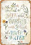 Cartel de metal con texto en inglés 'She Smelled Of Sun', 20,3 x 30,4 cm, aspecto vintage, decoración de pared, para el hogar, cocina, baño, granja, jardín, garaje, citas inspiradoras