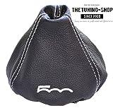 """Schaltsack aus schwarzem Leder, mit aufgesticktem, weißem """"500""""-Logo"""