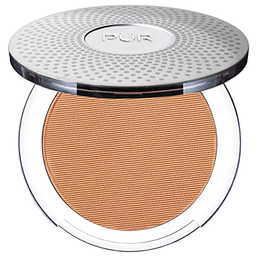 PÜR 4-in-1 Pressed Mineral Makeup with Skincare Ingredients in Medium Tan