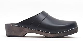 World of Clogs.com Toffeln Classic klog 310 Classic Traditional Wooden Clogs - Black