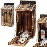 Alcohol Cage® - Holz Vogelhaus mit Platz für Flasche Schnaps 0.7 Liter und Glas Lustige Geschenke Männer für den Garten Zwitscherbox mit Minibar Lustig Geschenk Geburtstag Mann Vatertagsgeschenk