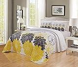 GrandLinen 3-teiliges fein bedrucktes Oversize (292,1 x 241,3 cm) Quilt Set Wende-Tagesdecke (Kalifornien) CAL King Size Bettbezug (sonnengelb, weiß, graues Blumen)