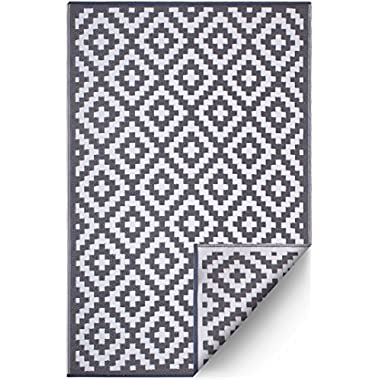 FH Home Indoor/Outdoor Recycled Plastic Floor Mat/Rug - Reversible - Weather & UV Resistant - Aztec - Gray/White (6 ft x 9 ft)