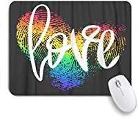 NIESIKKLAマウスパッド 概念的な手レタリングと指紋ハートブラックフレーズ愛LGBT虹の拇印ロマンチック ゲーミング オフィス最適 高級感 おしゃれ 防水 耐久性が良い 滑り止めゴム底 ゲーミングなど適用 用ノートブックコンピュータマウスマット