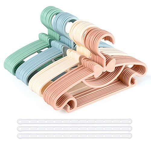 Perchas de bebé multicolor, 40 piezas de plástico para ropa de bebé con 3 correas de plástico, antideslizantes, ultra delgadas para niños, perchas para ropa de bebé y niño pequeño, 4 colores
