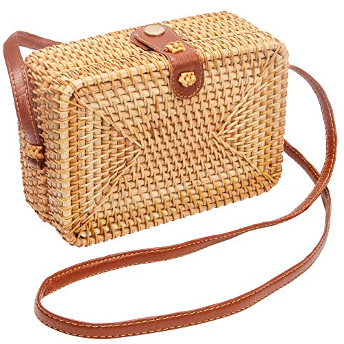 ★High Quality Material: The handmade round bag is mainly made from the natural rattan vines which is eco-friendly, light-weight and durable. Fabric lining, strong and sturdy with a faux leather strap that is woven into the sides along with a metal bu...