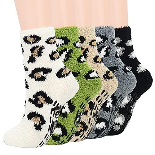 Zando Womens Fuzzy Socks Non Slip Yoga Socks with Grips Plush Slipper Socks Non Skid Fluffy Socks Softest Fuzzy Socks Pilates Socks Warm Sleep Socks Cozy Non-Slip Socks D 5/Leopard One Size