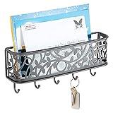 mDesign Guardallaves con cesta metálica – Compacto llavero de pared en metal para el pasillo, la cocina o la oficina – Colgador de llaves con 5 ganchos y bandeja para cartas – gris