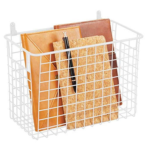 mDesign Estante de pared de metal – Estantería de rejilla grande para pasillo, dormitorio y otras habitaciones – Organizador de cartas, carteras, gafas de sol o accesorios de baño – blanco mate
