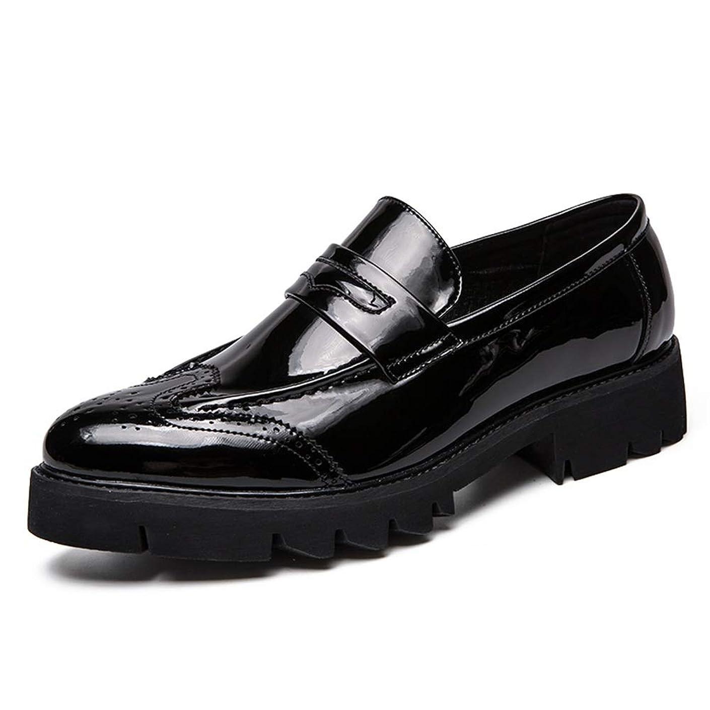 巨大な前述の宿泊施設ファッションシューズ スタンダードシューズ 靴メンズファッションオックスフォードカジュアルラウンドトゥパテントレザー厚底彫刻ブローグスリップオンフォーマルシューズ レジャーシューズ