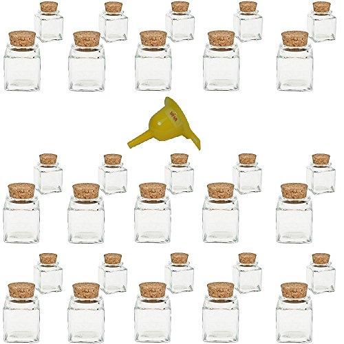 Viva Haushaltswaren - 30 x Mini Gewürzglas eckig 50 ml, Glasdose mit Korkverschluss als Gewürzdose & Vorratsdosen für Gewürze, Salz etc. verwendbar (inkl. Trichter gelb)