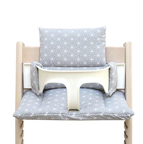 Blausberg Baby - BESCHICHTET - hochwertiges Tripp Trapp Sitz-Kissen Set für Stokke Hochstuhl - 2-teilige Auflage/Polster/Sitzverkleinerer für Kinderhochstuhl – DIVERSE FARBEN (Happy Star Grau)