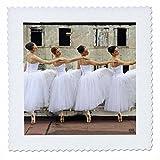3dRose qs_10006_2 Ballerinas des Nationalballetts trägt