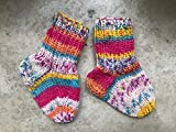 Handgestrickte Babysocken 10 cm, ca. 0-3 Monate, Socken für Neugeborene, bunt gemustert, Schuhgröße 17, unisex