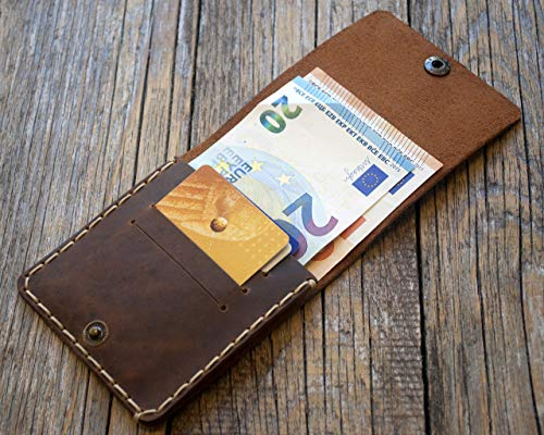 Marrón oscuro cartera de piel. Apta para tarjeta de crédito, efectivo o carnet de identidad. Bolsa rústica unisex.