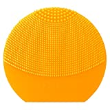 LUNA play plus de FOREO es el cepillo facial recargable de silicona |Sunflower Yellow| Con pilas...