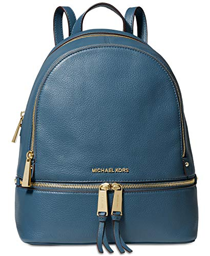 Dark Chambray soft pebble leather. Double zip-around closures. Exterior : 1 front zip pocket, Double compartments with zip-around closures ; Gold-tone hardware. Interior : 1 zip pocket ; Signature polyeaster lining. Handle drop 3.5'' ; Adjustable bac...