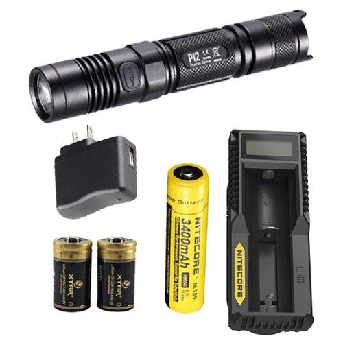 Nitecore P12 2015 Lampe de poche LED avec batterie NL189, chargeur UM10, adaptateur mural USB et 2 piles CR123A Premium