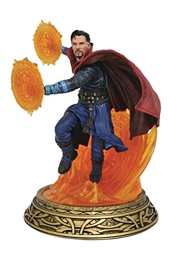DIAMOND SELECT TOYS Marvel Milestones Doctor Strange Movie Resin Statue