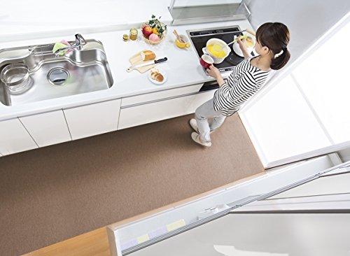【日本製 撥水 消臭 洗える】サンコー キッチンマット ずれない 台所マット ロング 90×270cm ブラウン おくだけ吸着 KH-90