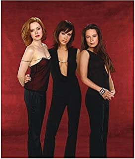 Charmed 8x10 Photo Holly Marie Combs/Piper Halliwell, Alyssa Milano/Phoebe Halliwell & Rose McGowan/Paige Matthews in All Black & Maroon and Black Sexy Cast Photo Pose 2 kn