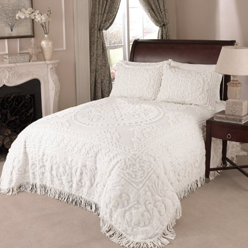 Beatrice Home Fashions Medallion Chenille Bedspread Full White