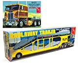 GREAT KIT FOR EXPERIENCED MODELERS: AMT's 1/25 scale Freightliner Truck and Haulaway 5-Car Trailer makes for a terrific truck/tractor companion project. With detailed assembly guides, it's everything big rig trailer builders have come to expect in mo...
