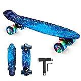 """Skateboard Bambini, 22""""x6"""" Mini Cruiser Skateboard Completa Retrò con Cuscinetti a Sfera ABEC-11, Skateboard per Principianti per Ragazzo,Ragazza (con PU Ruote LED Lampeggianti e Strumento T) (Blu)"""