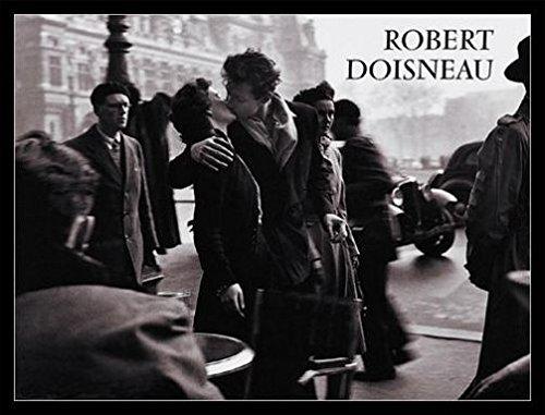 1art1 Robert Doisneau Poster Kunstdruck und MDF-Rahmen Schwarz - Der Kuss Vor Dem Rathaus, Paris 1950 (80 x 60cm)