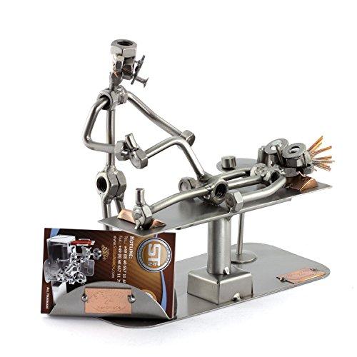 Steelman24 I Schraubenmännchen Physiotherapeut mit Visitenkartenhalter I Made in Germany I Handarbeit I Geschenkidee I Stahlfigur I Metallfigur I Metallmännchen