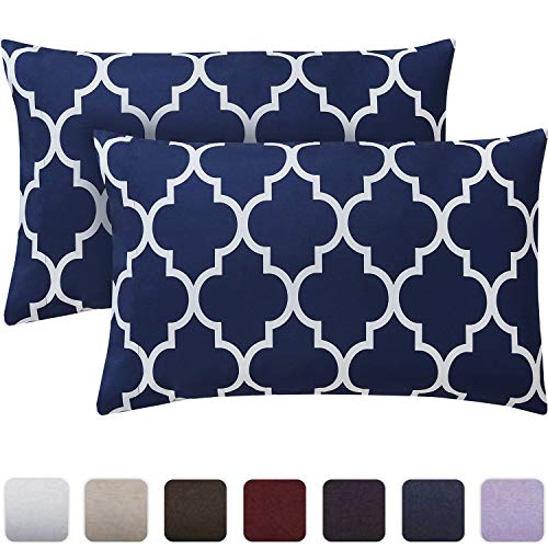 Mellanni Luxury Pillowcase Set - Brushed Microfiber Printed Bedding - Wrinkle, Fade, Stain Resistant - Hypoallergenic (Set of 2 Standard Size, Quatrefoil Navy Blue)