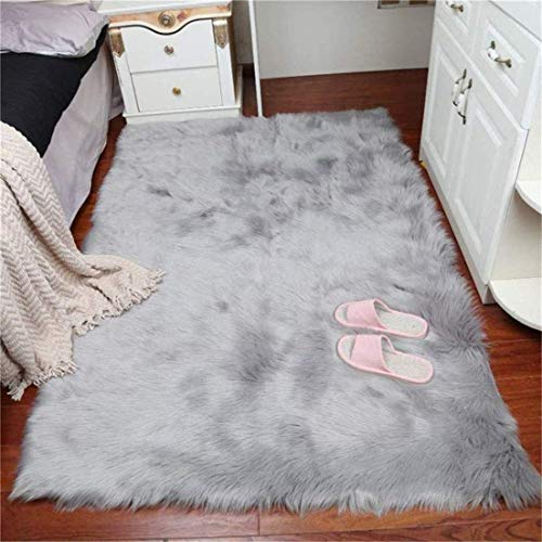 Daoxu tappeto in pelliccia ecologica di pecora, elemento decorativo a pelo lungo in simil lana, da posizionare ai piedi del divano, del letto o della poltrona, Grau, 75 x 120 cm