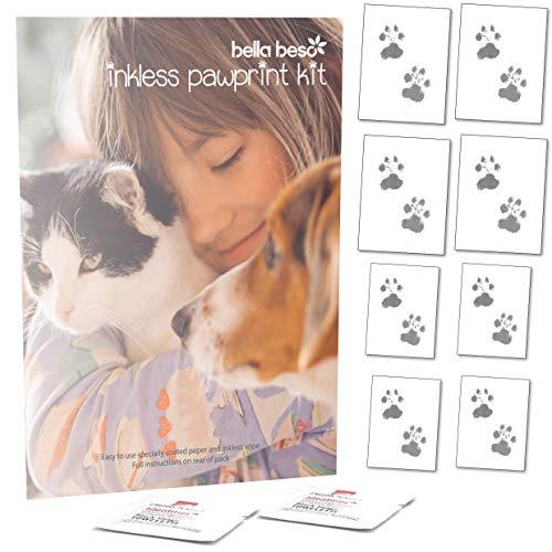 Tintenfreies Set, um Pfotenabdrücke von Hund und Katze zu machen – rahmenfertiger Druck von Bella Beso