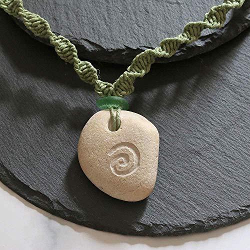 Kette Hühnergott, Stein mit natürlichem Loch, Glücksbringer, Makramee mit Seeglas und Spirale