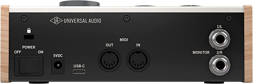 Universal Audio Volt 276:リアパネル