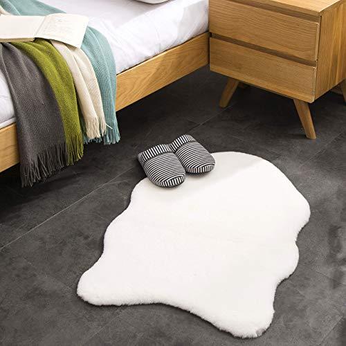 Kurzfell-Teppich Kunstfell Hasenfell Imitat | Wohnzimmer Schlafzimmer Kinderzimmer | Als Faux Bett-Vorleger oder Matte für Stuhl Hocker Sofa (Weiss, 55 x 80 cm)
