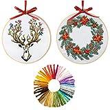 Lot de 2 kits de broderie de Noël, kit de broderie au point de croix avec motif couronne de Noël, cerceau de broderie en plastique, fils de couleur et kit d'outils pour débutants (2 motifs)