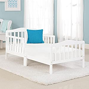 Big Oshi Contemporary Design Toddler & Kids Bed – Sturdy Wooden Frame for Extra Safety – Modern Slat Design – Great for Boys and Girls – Full Bed Frame With Headboard, in White