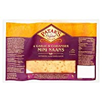 Patak's 4 Garlic & Coriander Mini Naans 300g - Patakの4ガーリック&コリアンダーミニNaans 300グラム [並行輸入品]