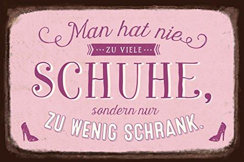 Grafik-Werkstatt Schild Art Nostalgic Vintage Blechschild mit Spruch | Retro Wand-Deko | Nostalgie | pink | Man hat nie zu viele Schuhe, Metall, 30 x 20 cm