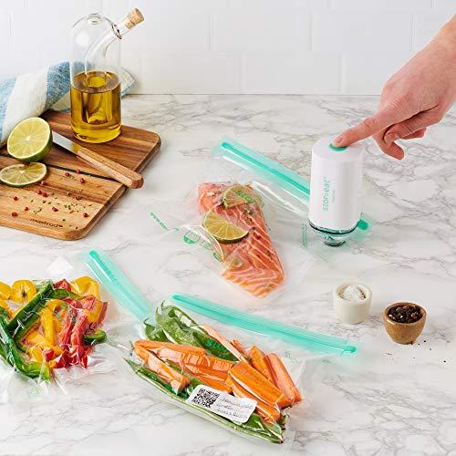 MASTRAD - Kit Sous-Vide Alimentaire - Connectée Stor'eat - Contient 1 Pompe sous-vide + 5 Sacs 1,3L + 5 Sacs 3L - Réutilisable - Cuisson sous-vide F93867