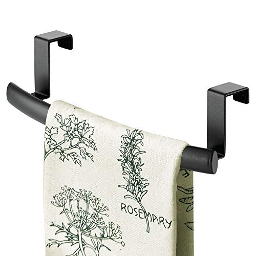 mDesign Modern Metal Kitchen Storage Over Cabinet Curved Towel Bar Rack - Hang on Inside or Outside of Doors, Organize and Hang Hand, Dish, and Tea Towels - Also for Bars - 9.7