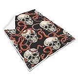 BOBONC Skull Decke, Wohn- und Flanell TV-Decke, viele Farben Wärmedecke als Sofadecke oder Bettüberwurf White 150x200cm